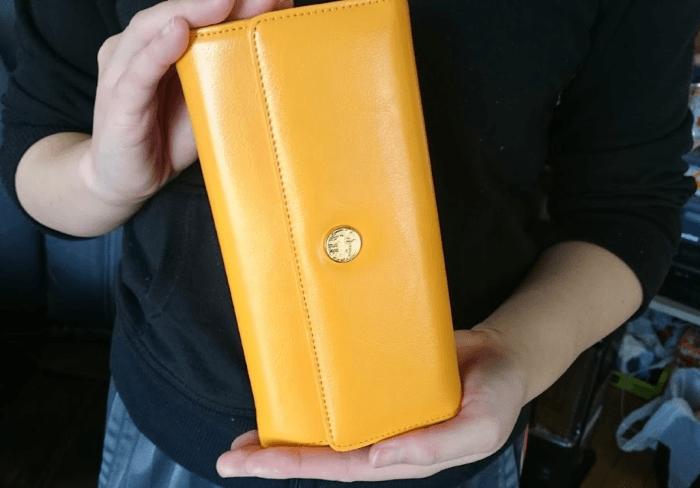 私が買った黄虎發財財布です♪